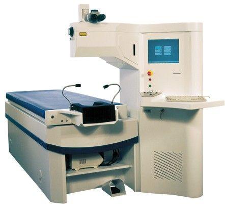 Bausch & Lomb ZYOPTIX™ wavefront laser system